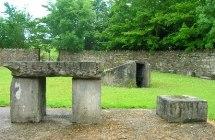Cronans grav og St Mochua's Well ved Clashmore